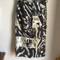 Max Mara knee length print runway skirt
