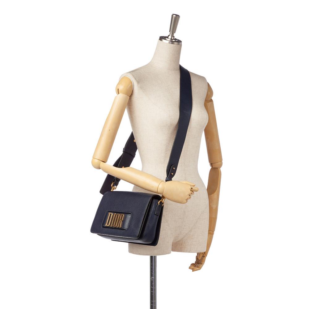 Dior Leather Shoulder bag With Magnetic Closure