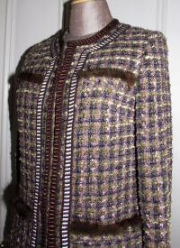 Gorgeous boucle tweed jacket Angle3