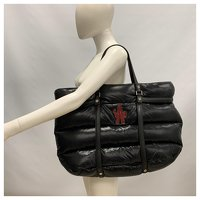Moncler, Black padded and quilted nylon travel bag Angle11