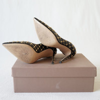 Gianvito Rossi Studded Leather Pumps Angle4