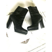 Tod's Ankle Boots With Square Heels Angle3