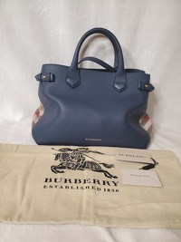 Burberry bag with classic print side panels Angle10