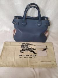 Burberry bag with classic print side panels Angle11