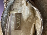 Suede Chanel doctor bag. Angle6