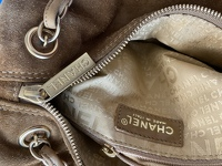 Suede Chanel doctor bag. Angle7