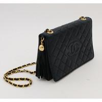 Chanel Handbag With Golden Metal Pompom Angle3