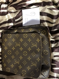 Louis Vuitton musette purse Angle3
