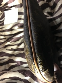 Louis Vuitton musette purse Angle4