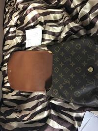 Louis Vuitton musette purse Angle5