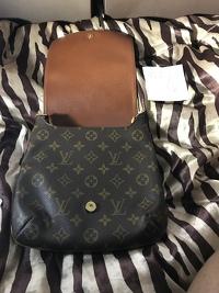 Louis Vuitton musette purse Angle6
