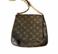 Louis Vuitton musette purse