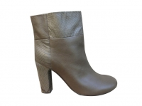 See By Chloe. size 40. good condition