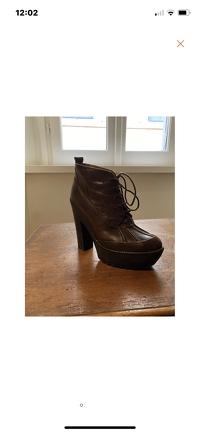 Cute Ralph Lauren boots Angle3