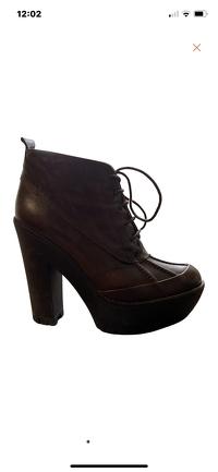 Cute Ralph Lauren boots Angle5