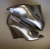 Burberry Prorsum silver wedges Angle2