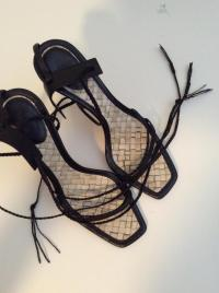 Gucci Lace up Heels Angle5