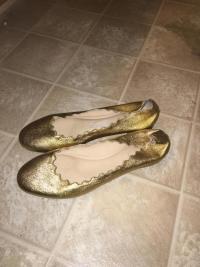 Gold scalloped Chloe ballet flars