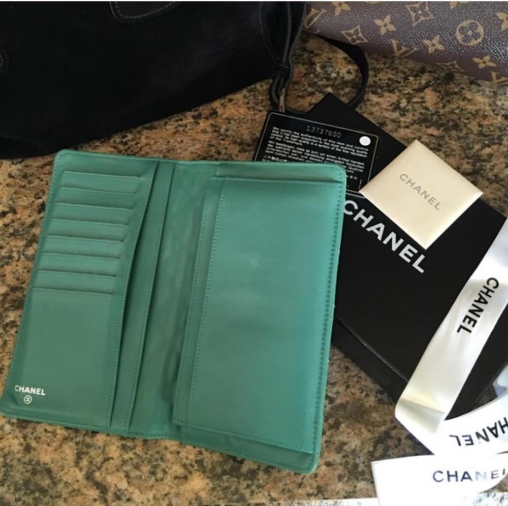 CHANEL Patent Leather Wallet/Clutch