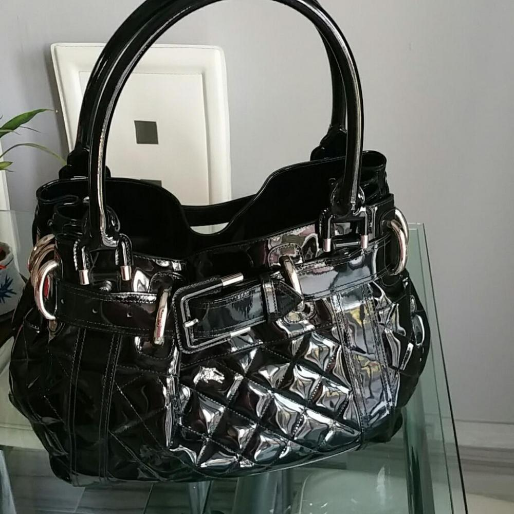 Burberry quilted bag