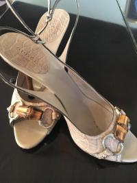 Tan Gucci bamboo open toe shoes