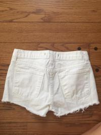 Cut off shorts Angle2