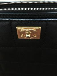 Caviar Shoulder Bag Angle2