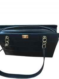 Caviar Shoulder Bag