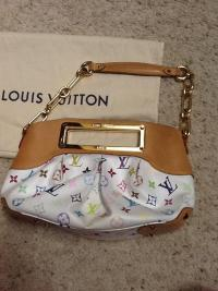 Louis Vuitton Judy PM-Authentic Angle5