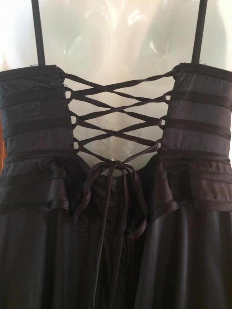 Very sexy corseted Tadashi Shoji dress