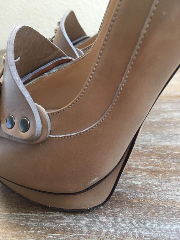 Nicholas will Kirkwood Nude Loafer Heel