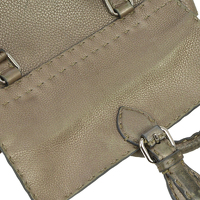 Authentic FENDI Grayish leather handbag Angle3