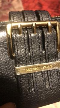 Michael Kors wallet  Angle2