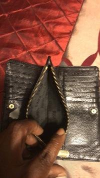 Michael Kors wallet  Angle6