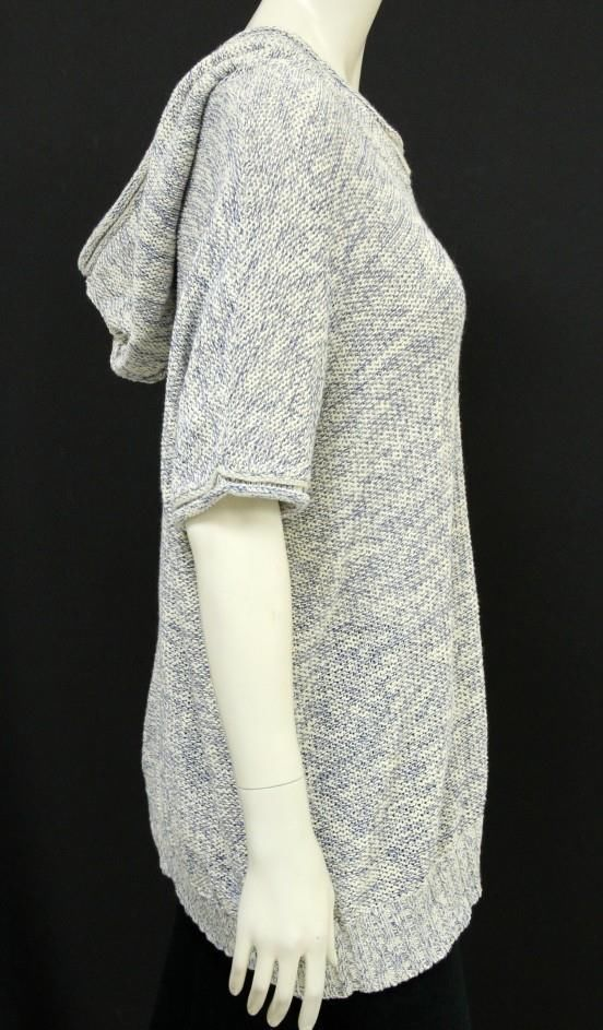 Cream and Blue Short sleeve hooded sweater
