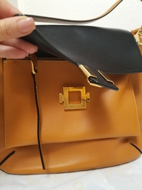 Almelia Shoulder Bag Angle2