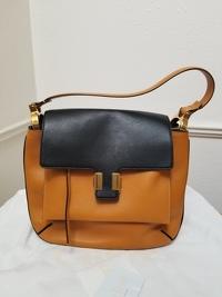 Almelia Shoulder Bag Angle4