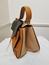 Almelia Shoulder Bag Angle3