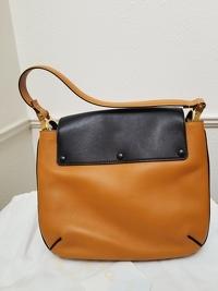 Almelia Shoulder Bag Angle5