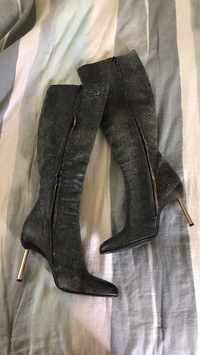 Versace distressed leather boots  Angle2