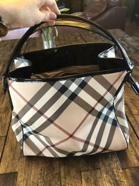 Burberry nova check barely worn shoulder bag