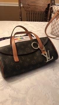 Louis Vuitton Sonatine Angle2