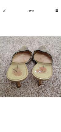 Giuseppe Zanotti Heels Size 5 Gold Beaded Kitten Angle4