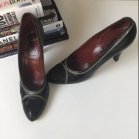 Yves Saint Laurent Heels Pumps 9.5 YSL Leather Angle3