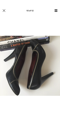 Yves Saint Laurent Heels Pumps 9.5 YSL Leather Angle9