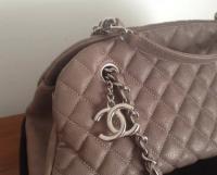 Chanel Mademoiselle caviar shoulder bag Angle4