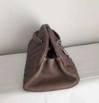 Chanel Mademoiselle caviar shoulder bag Angle6