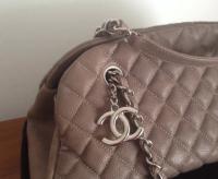 Chanel Mademoiselle caviar shoulder bag Angle7