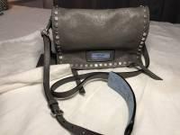 Prada Small studded glaze etiquete leather shoulde Angle6
