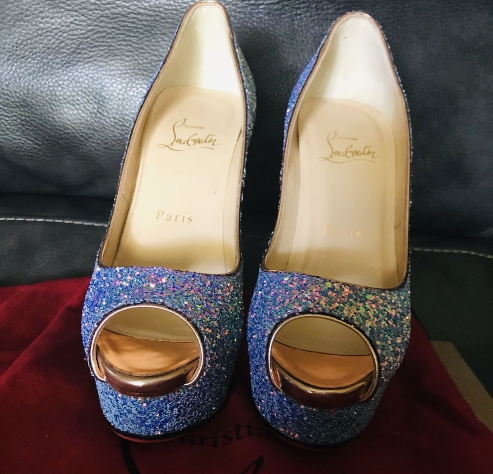 Christian Louboutin lady peep dragonfly